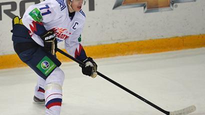 Metallurg's Yevgeny Malkin in a regular season match of the Kontinental Hockey League between Spartak Moscow and Metallurg Magnitogorsk. (RIA Novosti/Alexey Kudenko)