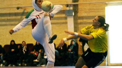 The teams played a series of friendly matches in Iran and Russia. (Image from belichanka.com)