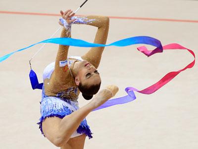 Kanaeva rewrites Olympic history (PHOTOS)