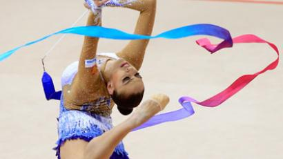 Kanaeva rewrites Olympic history (PHOTOS)