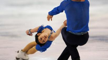 Third place Russia's Yuko Kavaguti and Alexander Smirnov during the Pair's free skate program at the Grand Prix of Figure Skating Final December 10, 2011 in Quebec City (AFP Photo / Stan Honda)