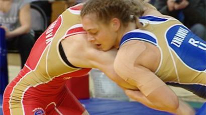 Fierce battle for Olympic berth between Natalia Vorobyova (R) and Ekaterina Bukina
