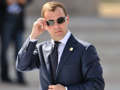 Medvedev keeps close eye on sport federations