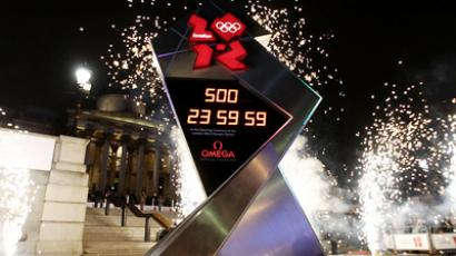 The countdown clock for the London Olympics is unveiled in Trafalgar Square in central London, England, on March 14, 2011 (AFP Photo / Leon Neal)