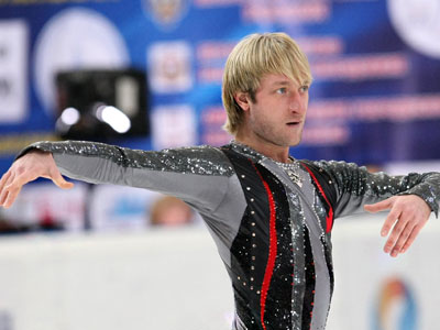 Plyushchenko strikes winning comeback at Russian champs