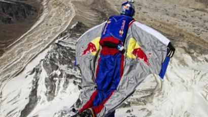 Russian flying man Rozov jumps from Mt Everest