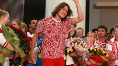 Russia's Olympic champ, Ivan Ukhov, at the welcoming ceremony in Sheremetyevo airport (RIA Novosti / Anton Denisov)