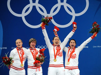 Russian women win fencing gold