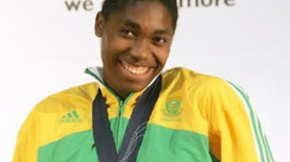 South Africans protect their 'heroine' Semenya