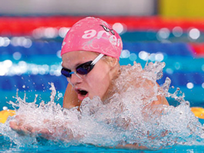 Teen makes Russian swimming history in Rome
