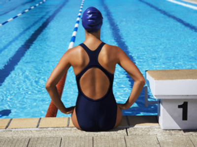 Two-suit rule sees record swimmer stripped