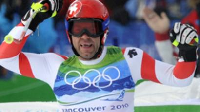 Plyushchenko back to storm podium in Vancouver