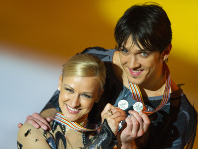 Unbeatable free skating helps Russians claim silver in Nice