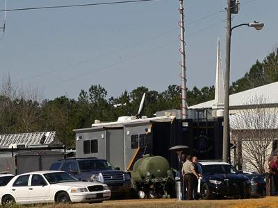 Alabama hostage crisis ends - child safe, kidnapper dead