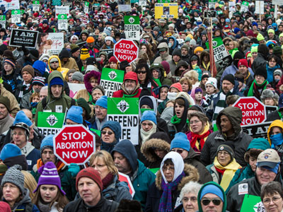 Tens of thousands march in Washington anti-abortion rally (PHOTOS)
