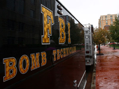 An FBI Bomb Technician vehicle is parked in front of an FBI Building.(AFP Photo / Win McNamee)