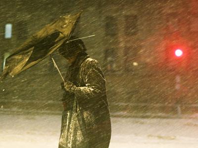 Massive blizzard paralyses US northeast, 9 dead (PHOTOS)