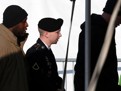 U.S. Army Pfc. Bradley E. Manning (C) arrives for a hearing on November 28, 2012 in Fort Meade, Maryland.  (Mark Wilson/Getty Images/AFP)
