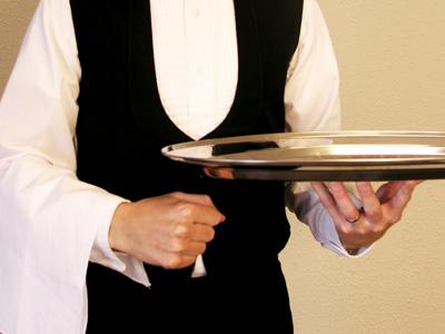 """Millionaire CEO breaks waiter's finger for """"bad service"""""""