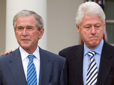 George W. Bush and Bill Clinton (AFP Photo / Sail Loeb)