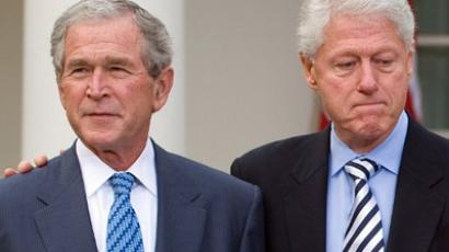 George W. Bush and Bill Clinton (AFP Photo / Sail Loeb)