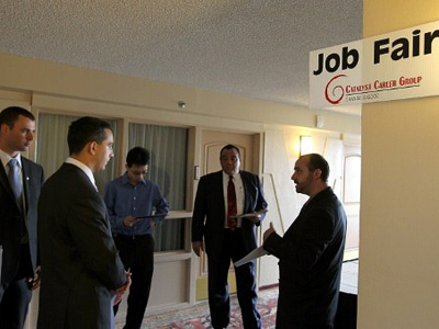 Americans continue to file for unemployment in alarming numbers