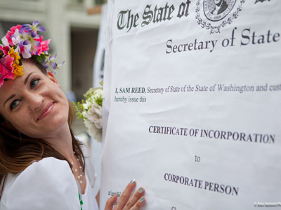 Seattle woman weds corporation (PHOTOS)