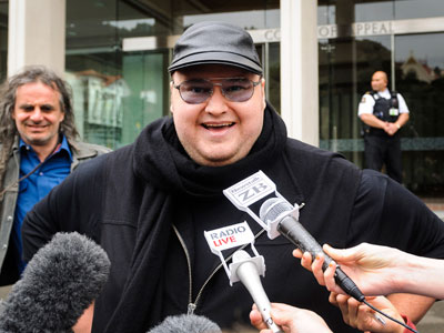 Megaupload founder Kim Dotcom talks to members of the media outside the New Zealand Court of Appeals in Wellington.(Reuters / Mark Coote)