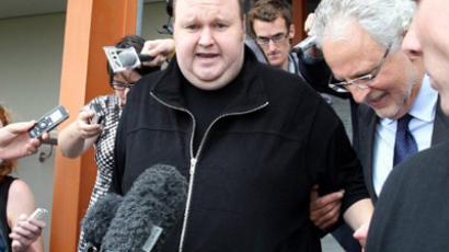 US prosecutors file extradition papers for Kim Dotcom