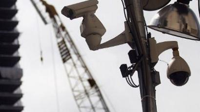 Surveillance cameras hang as construction in New York City (Mario Tama / Getty Images / AFP)