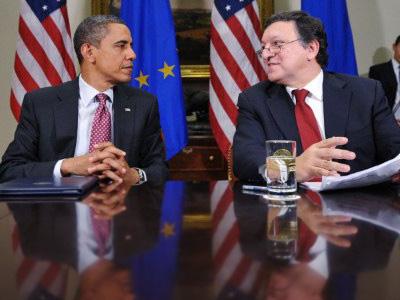 Washington : European Commission President José Manuel Barroso (R) speaks following a summit with US President Barack Obama November 28, 2011. (AFP Photo/Mandel Ngan)