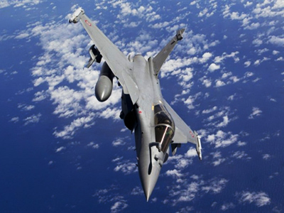 This handout picture taken on March 29, 2011 and released by ECPAD (The French Defence Communication and Audiovisual Production Agency) shows Rafale jets of the French army during the military operations in Libya (AFP Photo / ECPAD / Cyril Amboise)