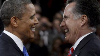US President Barack Obama (L) greets Republican presidential nominee Mitt Romney following the final US presidential debate in Boca Raton, Florida October 22, 2012. (Reuters/Michael Reynolds/)