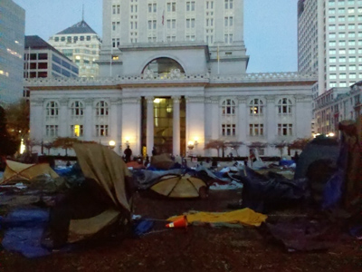 A Monday morning raid on the Occupy Oakland encampment led to the evacuation of thousands of protesters.