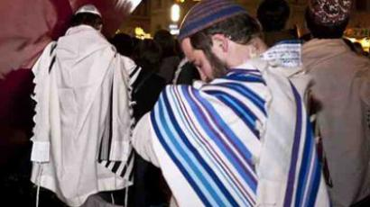 The health department says that around 20,493 infant boys were involved in the metzitzah b'peh in the month of June.