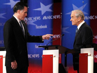 Mitt Romney (L) and Ron Paul (Alex Wong / Getty Images / AFP Photo)