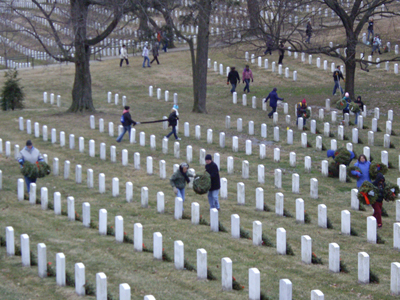 Pentagon mishandled 65,000 Arlington cemetery graves