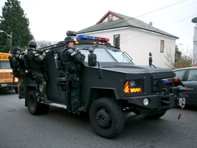 SWAT team officers (	REUTERS/Marcus Donner)