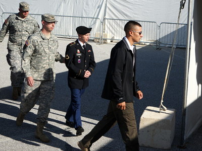 U.S. Army Private Bradley Manning (2nd R) (AFP Photo / Alex Wong)