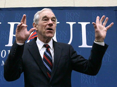 Republican presidential hopeful U.S. Rep Ron Paul (R-TX) waves during a campaign stop at the Park Place Event Center on January 2, 2012 in Cedar Falls, Iowa (AFP Photo / Justin Sullivan)