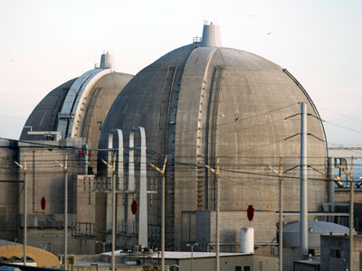 The San Onofre Nuclear Generating plant is seen in North San Diego County, California March 14, 2011.(Reuters / Mike Blake)