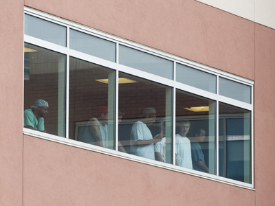 Uninsured Colorado shooting victim faces $2 mln medical bill