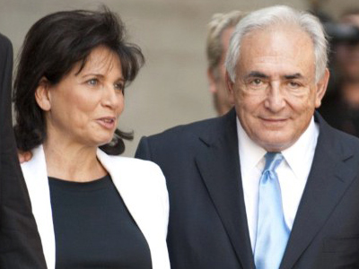 Dominique Strauss-Kahn and his wife Anne Sinclair (AFP Photo / Don Emmert / Files)