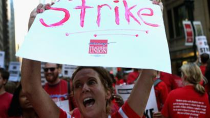 Chicago to file lawsuit forcing teachers' strike to end