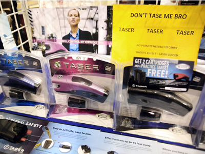 Taser facing lawsuit for illegally offering guns