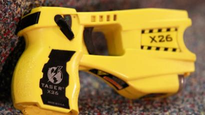 A taser is displayed after Orange County District Attorney Tony Rackauckas announced that manslaughter charges will be filed against Fullerton police officer Corporal Jay Cicinell (Reuters/Lucy Nicholson)