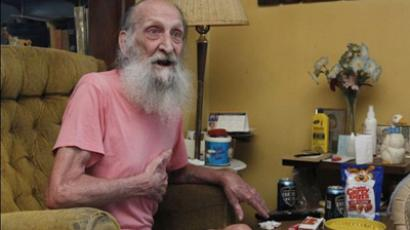 90-year-old robbery victim sued by the burglar who shot him
