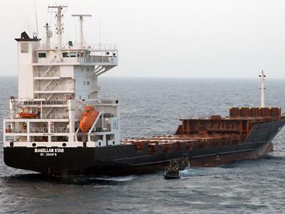 US' Fifth Fleet threatens Iran over Strait of Hormuz