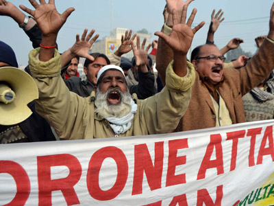 Pakistani demonstrators shout anti-US slogans during a protest in Multan on January 8, 2013, against the drone attacks in Pakistan's tribal areas. (AFP Photo/S.S Mirza)