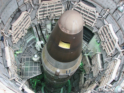 US looking to cut nuclear arsenal